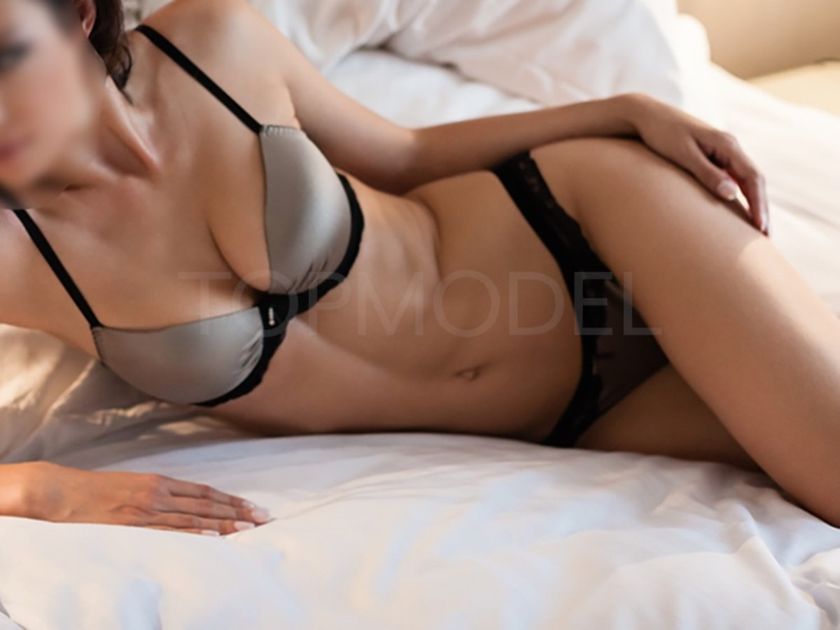 Sydney White Escort Agencies Brooke