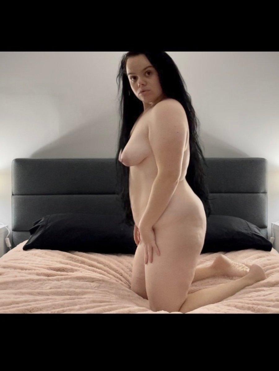 Sydney White Escorts Lea Doll 1