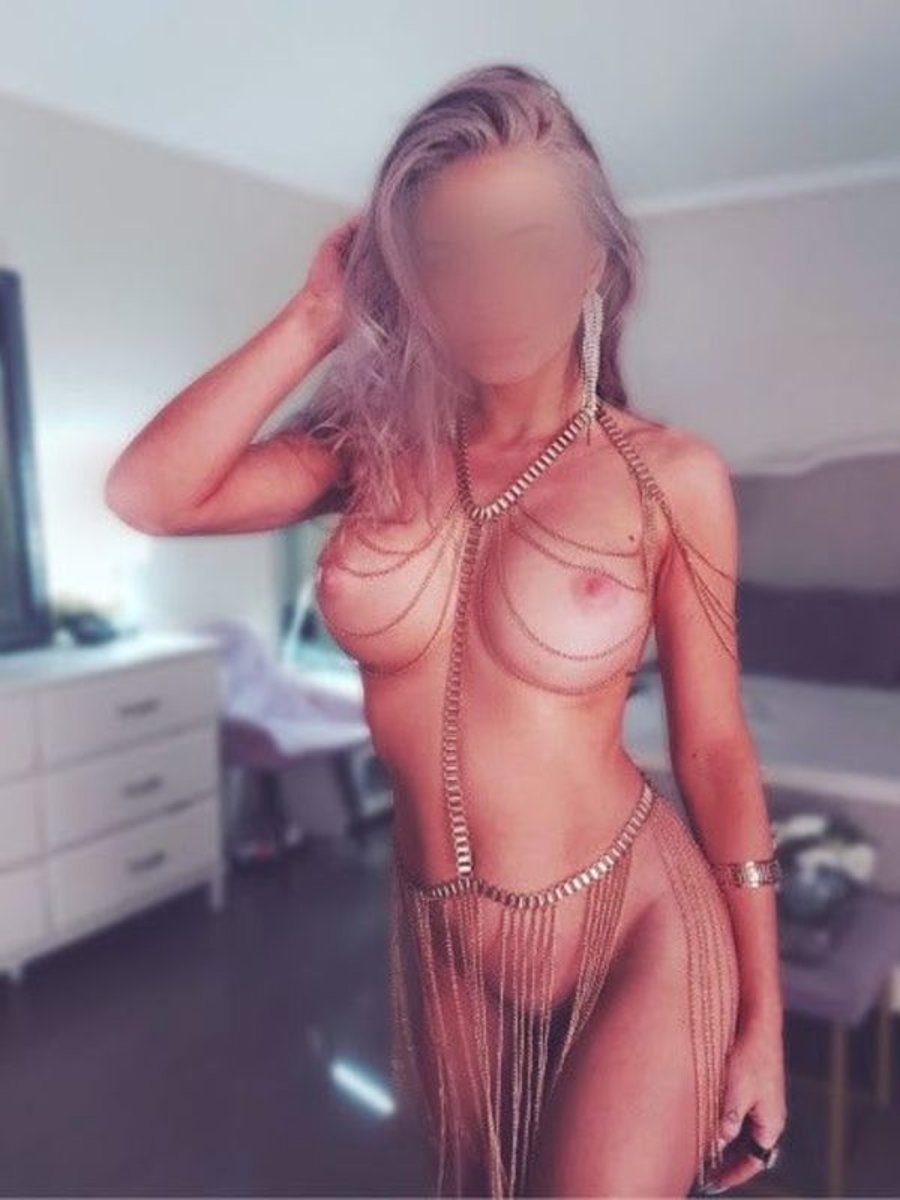 Sydney Caucasian Escorts Coco Barnett
