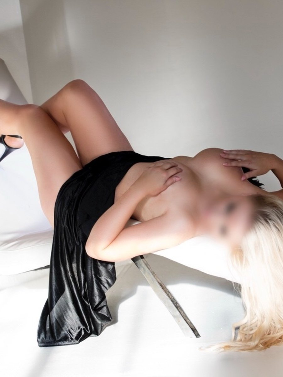 Sydney Caucasian Escorts Crystal Cross