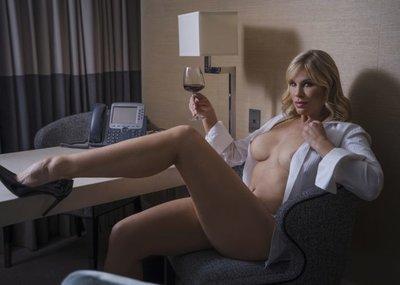 Natalie Jay