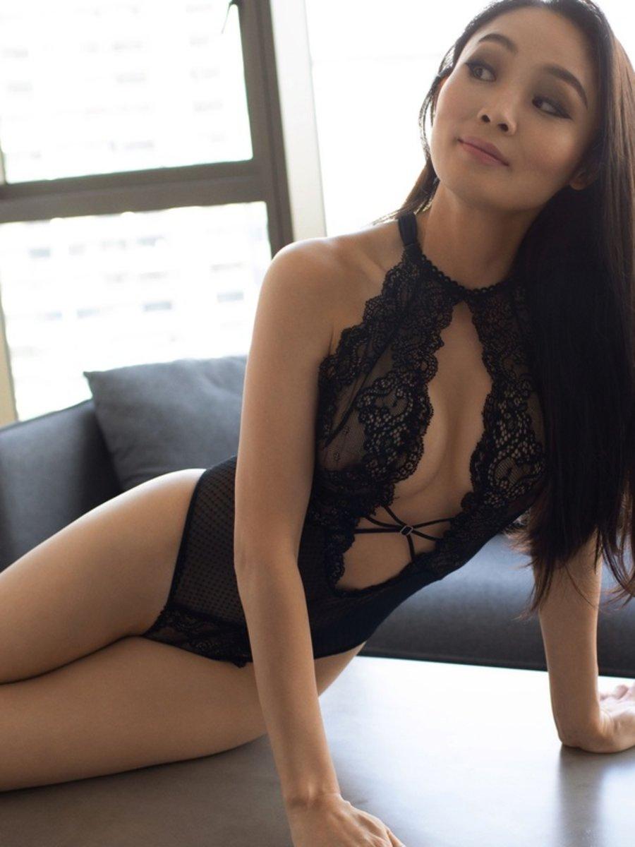Sydney Asian Escorts Vivian Bera