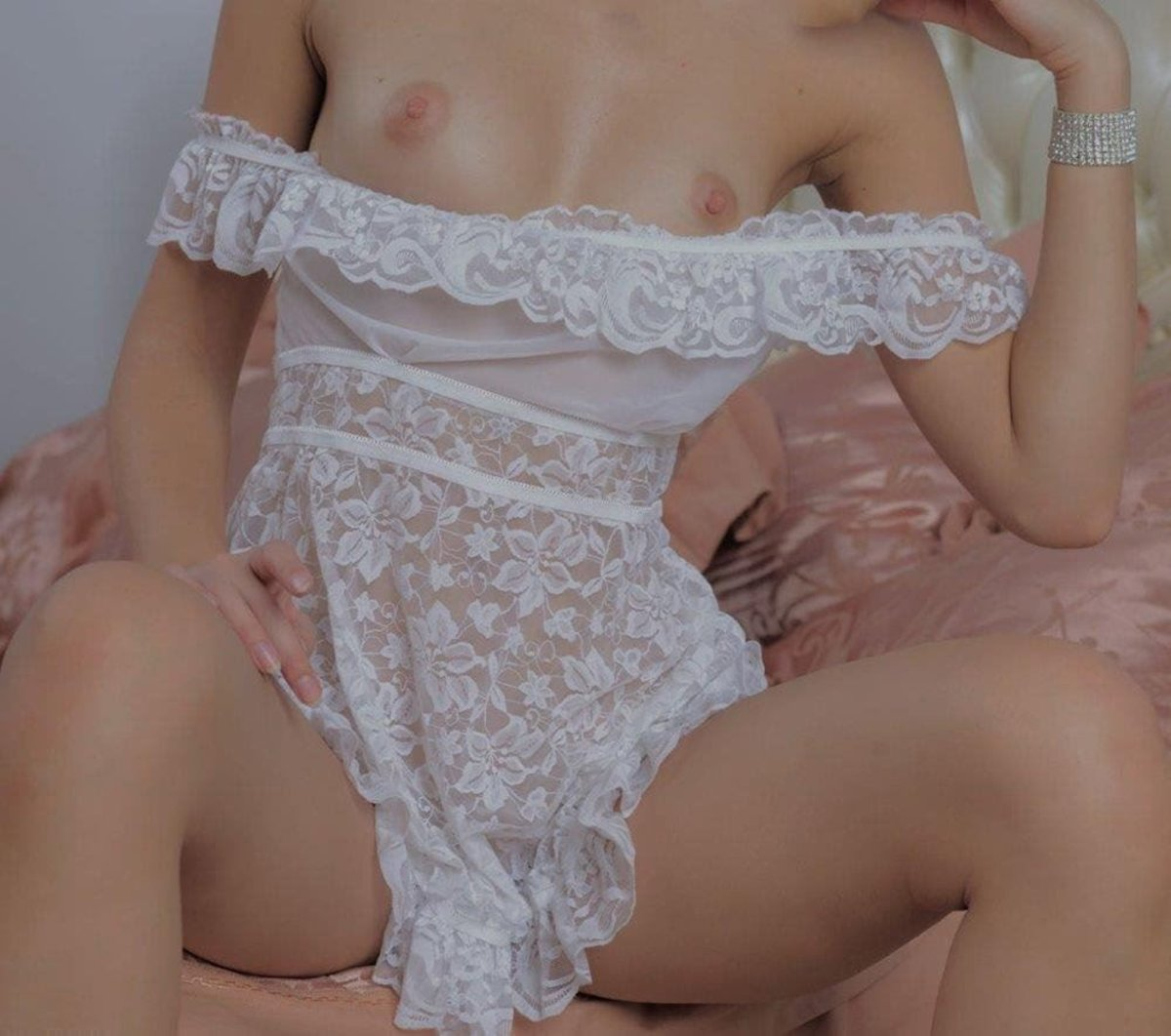Sydney White Escorts Ruby