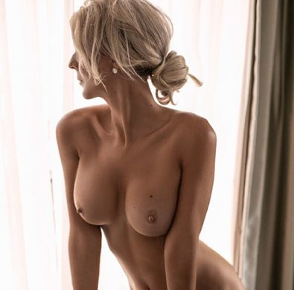 Sydney White Escorts Jennifer Love